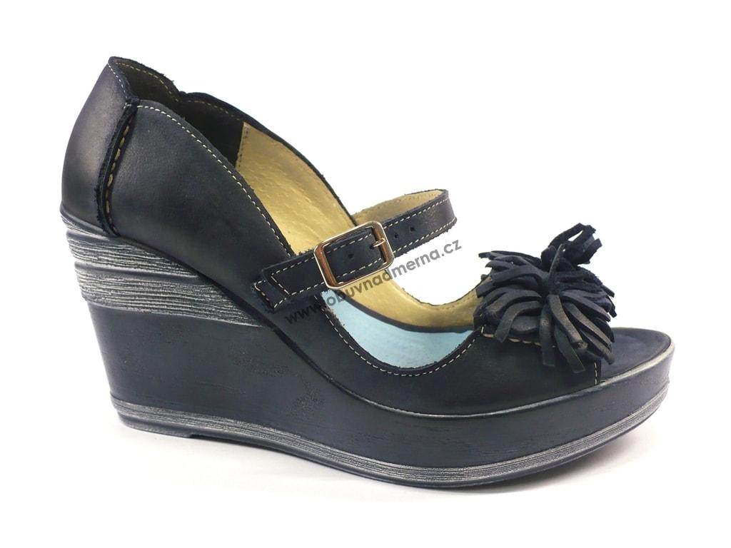 c5949c80aec Pásková letní obuv Cora na vysokém klínu modrá. Dámské páskové boty ...